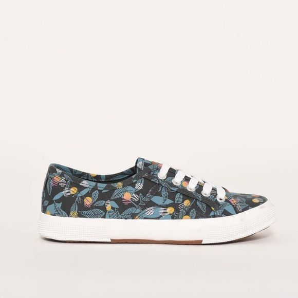 Brakeburn Elderberry trainers Blue Slate