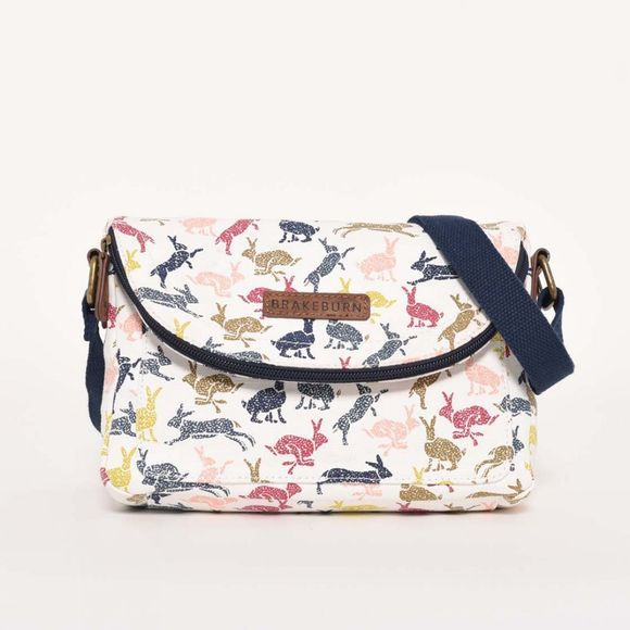 Brakeburn Hares roo pouch Cream