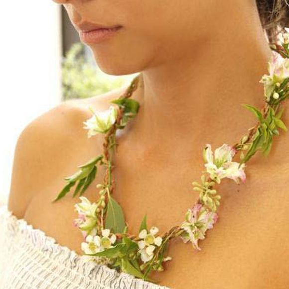 Huckleberry Fresh Flower Necklace Kit